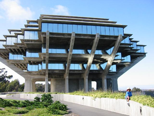 Architecture Of UCSD Library